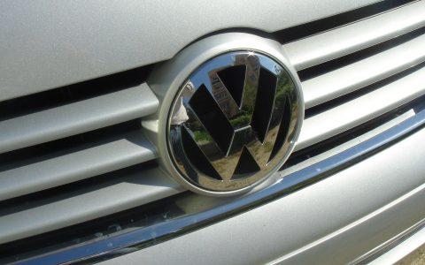 logo VW - busy do Holandii